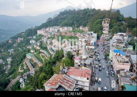 Vue depuis le téléphérique de la ville de Gangtok, Sikkim, Himalaya, Inde, Asie du Sud, Asie Banque D'Images