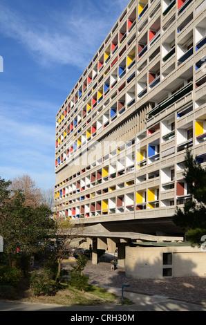 Façade sur la mer de la Cité Radieuse ou unité d'habitation Le Corbusier Marseille ou Marseille France Banque D'Images