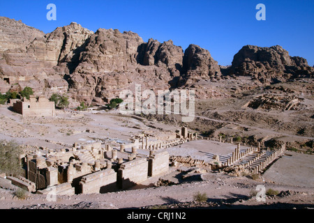 Grand Temple de la ville historique de roche de Petra, Jordanie, Petra