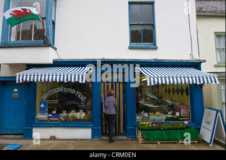 Grocers shop sur high street à Presteigne Powys Mid-Wales UK Banque D'Images