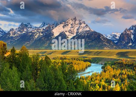 Lever du soleil sur la rivière Snake surplombent à Grand Teton National Park dans le Wyoming, USA Banque D'Images