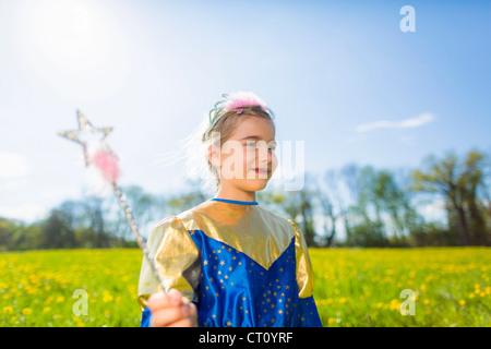 Girl costume fée en plein air Banque D'Images