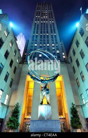 Statue d'Atlas du Rockefeller Center à New York. Banque D'Images