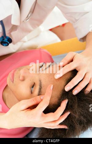Symptomatologie DERMATOLOGIE ADO Banque D'Images