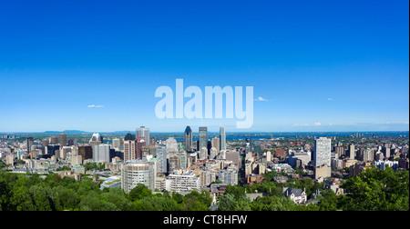 Vue de la ville depuis le belvédère Kondiaronk au Chalet du Mont Real, le parc du mont Royal, Montréal, Québec, Banque D'Images