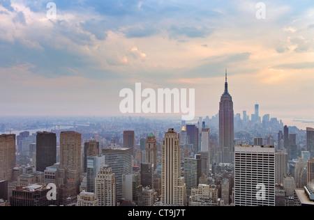 Une vue sur la ville et le centre-ville de Manhattan, New York City, USA. Banque D'Images