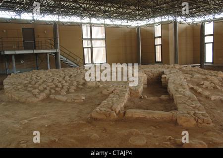 Cimetière de Vranas. Tumulus funéraire. Moyen Helladic Période. 2000-1600 BC. Musée archéologique de Marathon. La Banque D'Images