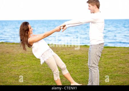 Portrait of a romantic couple dancing Banque D'Images