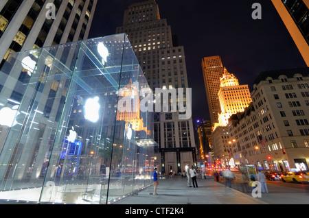 Flagship Store Apple de la 5ème Avenue à New York. Banque D'Images