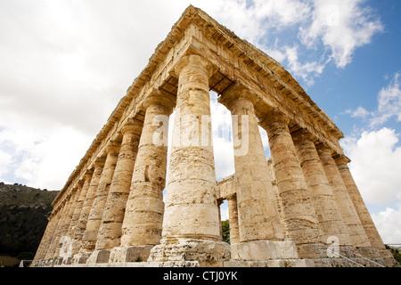 Le grec ancien temple de Vénus en village de Ségeste, en Sicile, Italie Banque D'Images