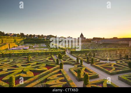 Les beaux jardins du château de Villandry, dans la vallée de la Loire de France. Banque D'Images