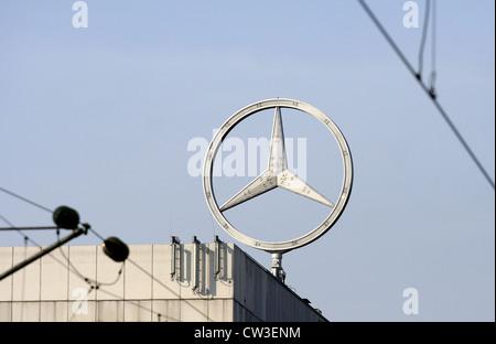 Star de l'usine Mercedes en Esslingen - Mettingen Banque D'Images