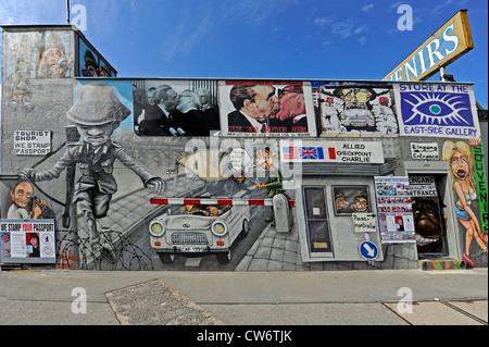 """Une partie de la """"East Side Gallery"""" une partie du mur de Berlin peint après la réunification, l'Allemagne, Berlin Banque D'Images"""