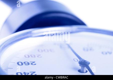 Manomètre médical libre avec focus sélectif sur 260 figure comme concept de l'hypertension artérielle preasure Banque D'Images