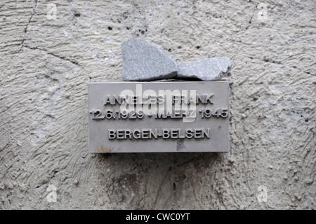 Mémorial à Anne Frank qui est né à Francfort, en Allemagne en 1929 et est mort en camp de concentration de Bergen Banque D'Images