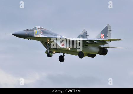 Mig-29A exploité par l'Armée de l'Air polonaise en approche pour l'atterrissage à RAF Fairford