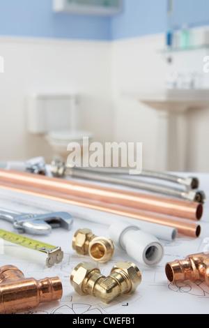 Outils et matériaux de plomberie Banque D'Images