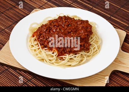 Spaghettis à la bolognaise et une cuisine italienne classique dîner temps populaires partout dans le monde Banque D'Images
