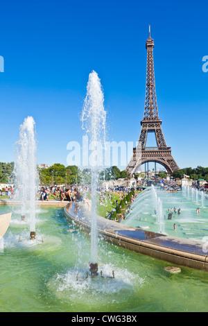 Skyline France Paris Tour Eiffel l'Europe de l'UE avec des fontaines du Trocadéro Banque D'Images