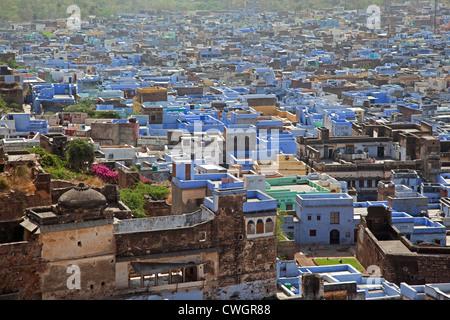 Vue sur la vieille ville de Bundi et le bleu de maisons de la caste des brahmanes, Rajasthan, Inde