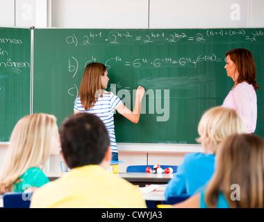 L'écriture d'écolière formule à tableau noir Banque D'Images