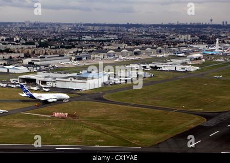 L'agence ITAR-TASS: PARIS, FRANCE. Le 21 juin 2011. Le 2011 International Paris Air Show Le Bourget comme vu de Banque D'Images