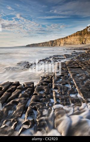Nash Point sur la côte du Glamorgan, Pays de Galles, Grande-Bretagne. L'été (août) 2012. Banque D'Images