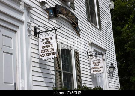 Montrant des signes de l'hôtel de ville à des services gouvernementaux et ministères. Banque D'Images