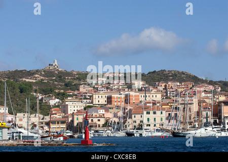 Vue sur le port, La Maddalena, îles de la Maddalena, en Sardaigne, Italie, Méditerranée, Europe Banque D'Images