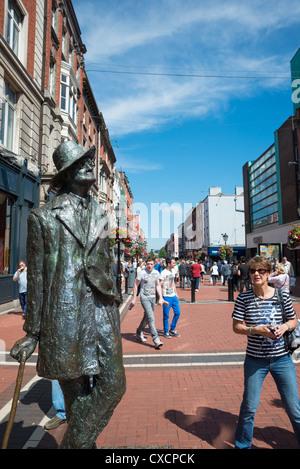 Statue de James Joyce Earl Street Dublin en Irlande. Banque D'Images