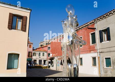 Sculpture en verre par Denise Gemin sur Bressagio Street, l'île de Murano, Venise, Vénétie, Italie, Europe