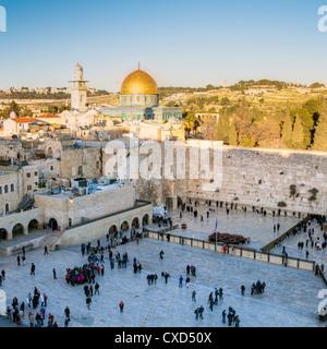 Quartier juif de la place du Mur occidental, Vieille Ville, site du patrimoine mondial de l'UNESCO, Jérusalem, Israël, Banque D'Images