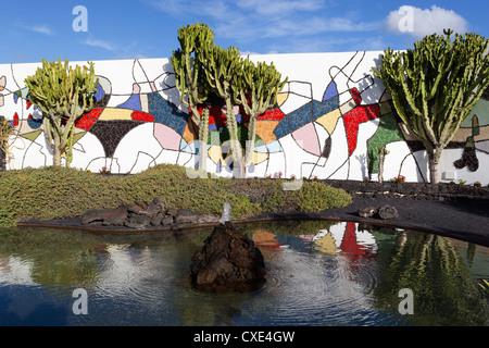 Cactus dans jardin, Fondation Cesar Manrique, Taro de Tahiche, Lanzarote, îles Canaries, Espagne Banque D'Images