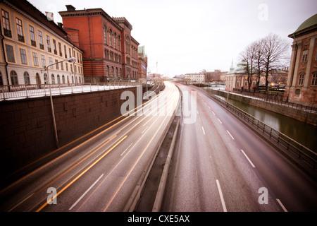 Vue sur l'autoroute par Gamla Stan, Stockholm, Suède, Scandinavie, l'Europe. Banque D'Images