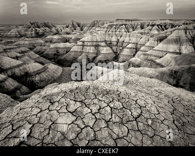 L'érosion et la boue craquelée et rock formations. Badlands National Park. Formations du Dakota du Sud. Banque D'Images