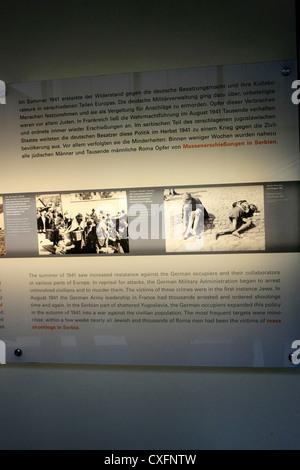 L'intérieur de l'exposition Centre commémoratif de l'holocauste juif à Berlin Allemagne Banque D'Images