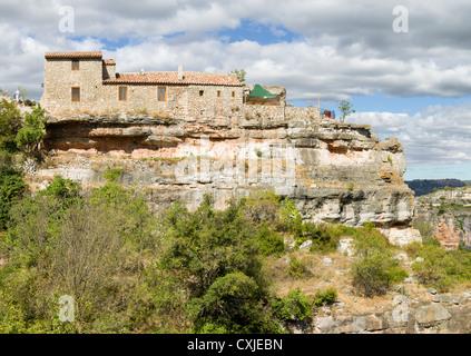 Chambre à Siurana à côté de la falaise. Priorat, Tarragona, Catalogne, Espagne Banque D'Images