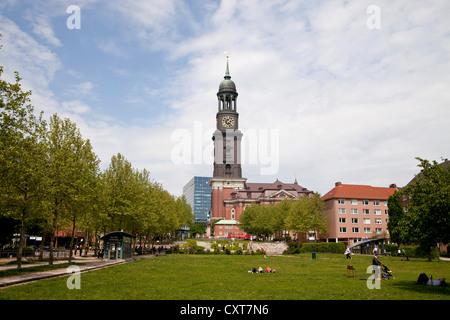 Église St Michel, 'Michel', église protestante, et Michel-Park, ville libre et hanséatique de Hambourg Banque D'Images