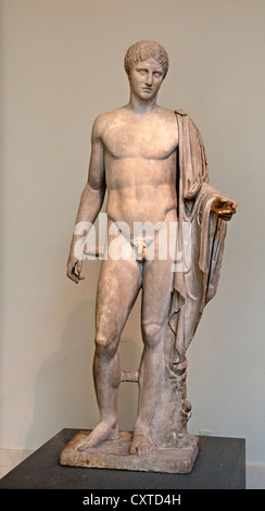 Statue en marbre de Grèce grec Hermès copie de Polykleitos 1er ou 2ème siècle A.D Roman en Pentellic 181 cm Banque D'Images
