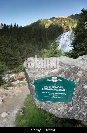 Signe, monument naturel, cascade Grawa, vallée de Stubai, dans le Tyrol, Autriche, Europe Banque D'Images