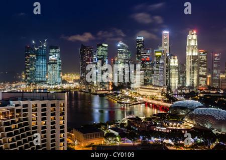 Skyline at Night, Financial District, Central Business District, Marina Bay, à Singapour, en Asie du Sud-Est, l'Asie