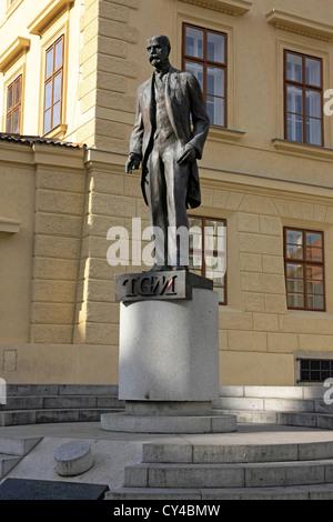 Statue de T.G. Dans Hradcanske Masaryk Nam Prague Banque D'Images