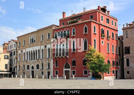 Palazzo Duodo (à gauche) à Campo Sant'Angelo Banque D'Images