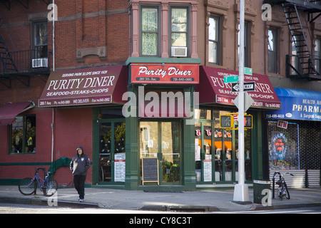 La Pureté Diner situé à l'angle de l'Avenue 7e & 7e Street à Park Slope, Brooklyn, New York. Banque D'Images