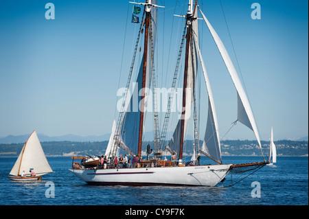 L'Adventuress est un 133 pieds de gaff schooner gréé en lancé en 1913 à East Boothbay, Maine. Maintenant elle navigue Banque D'Images