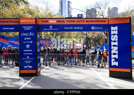 New York, USA. 3 novembre 2012. Ligne d'arrivée du Marathon de New York 2012 qui a été annulé après l'Ouragan Sandy Banque D'Images