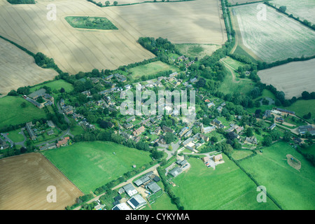 Vue aérienne de la ville et des champs Banque D'Images