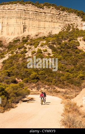 Vététistes Bardena Negra Nature Park, Aragon espagne Banque D'Images