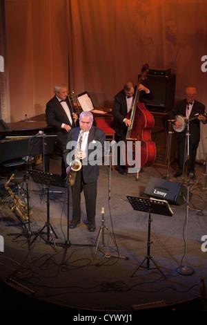 Concert de jazz band 'Leningrad' Dixieland Jazz Club dans la salle de concert philharmonique de Saint-Pétersbourg, Banque D'Images