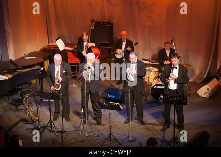 Musique de jazz Dixieland band 'Leningrad' dans Jazz Philharmonic Hall Club à Saint-Pétersbourg, Russie Banque D'Images